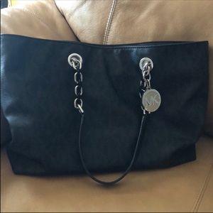 Michael kors handbag authentic in good condition